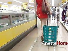Fellation dans ascenseur et exhibe au supermarche